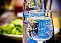Recomendaciones sobre el uso y consumo correcto del agua envasada